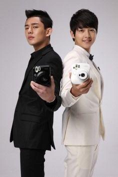 Yoo Ah In and Song Joong Ki my beautiful boys <3