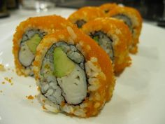 The California sushi roll is perfect for those who don't care much for raw fish. The main ingredient is imitation crab sticks (made of cooked Surimi fish meat), and so this sushi roll is easier to make and is safe for pregnant women to enjoy. California Roll Recipes, California Roll Sushi, California Rolls, Japanese Recipes, Chinese Recipes, Japanese Food, Asian Recipes, Sushi At Home, My Sushi