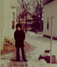 Prince outside his dad's 539 Newton Ave. home in north Minneapolis. Young Prince, My Prince, Michael Jackson, Prince Quotes, The Artist Prince, Photos Of Prince, Prince Images, Paisley Park, Dearly Beloved