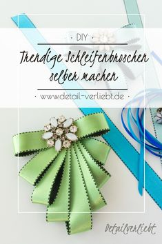 Make yourself a trendy bow brooch // DIY - Diy And Crafts idea Karneval Diy, Gift Ribbon, Diy Bow, Diy Schmuck, How To Make Bows, Diy For Kids, Jewelry Crafts, Diy And Crafts, Craft Projects