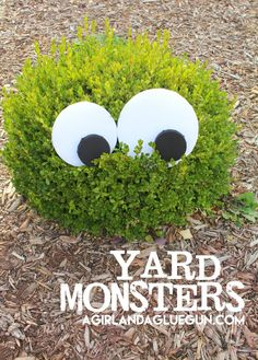 I might be these yard monsters totally have me giggling-- put in your front yard for Halloween (and heyIm not judgingyou can leave them up all year! Sac Halloween, Halloween Eyes, Halloween Birthday, Outdoor Halloween, Halloween House, Holidays Halloween, Halloween Halloween, Halloween Yard Ideas, Halloween Costumes