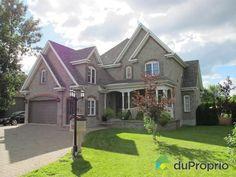 Cette superbe maison vient d'être affichée à 595 000$ à Rosemère. Envie d'en voir plus, cliquez sur la photo!