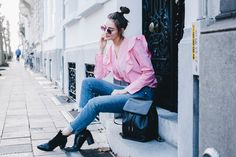 I'd never thought I'd say this, but I'm currently obsessed with pink. My style is usually pretty casual and tomboy-inspired, so pink isn't a colour you'd expect poppin…