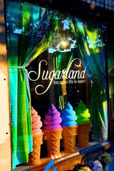 Sugarland is one of North Carolina's most famous bakeries. The original store, located right in the heart of historic Franklin Street, is Chapel Hill's own locally owned dessert cafe. They are there whenever you need a treat--custom blended, locally roasted coffee and delicious espresso beverages in the morning right on through to Cabernet and creme brulee after a show at Memorial Hall.