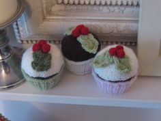 Ravelry: Yummy Scrummy Cupcakes by Sandra Paul