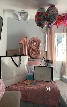 Presents for girls 18th Birthday Gifts For Girls, 18th Birthday Party, Diy Birthday, Birthday Party Decorations, Birthday Ideas, Birthday Goals, Presents For Girls, Birthday Pictures, Birthday Balloons