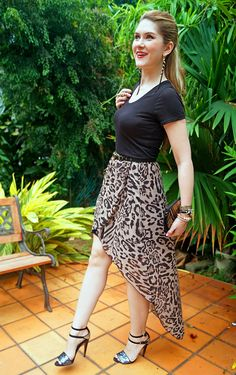 Leopard skirt and chic heels = perfect clubbing outfit