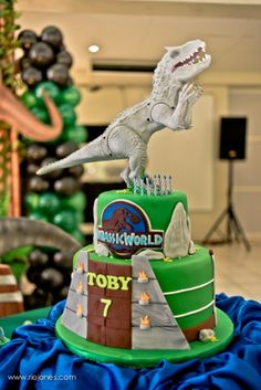 Toby's Jurassic World Themed Party – Cake