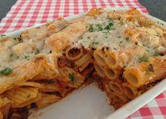 Ook de lekkerste pasta uit de oven maak je natuurlijk gewoon zelf in je eigen keuken. Bekijk dit lekkere pasta recept op AllesOverItaliaansEten.nl!