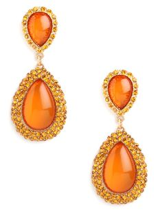 Why not live the sunny side of life? You can do so with these incredibly luxe earrings, which flaunt stunning citrine gems in an elegant teardrop silhouette.