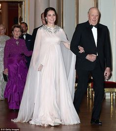 It comes after Kate looked sensational in a pink Grecian gown by Alexander McQueen at a ga...