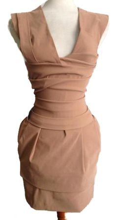 Hour glass dress to emphasise the waist, modern day hour glass figure dressing