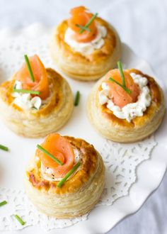 Cream Cheese And Smoked Salmon Vol Au Vents - Lavender & Macarons - Looking for the best puff pastry recipes? This Cream Cheese And Smoked Salmon Vol Au Vents are deca - French Appetizers, Puff Pastry Appetizers, Puff Pastry Recipes, Yummy Appetizers, Appetizers For Party, Appetizer Recipes, Party Snacks, Dinner Recipes, Vol Au Vent
