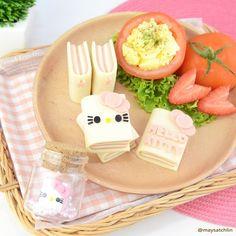 Hello Kitty mini book sandwiches with ham
