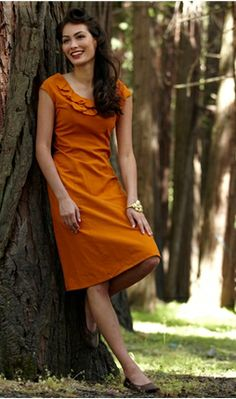The perfect dress - and it is in Autumn color. *sigh*
