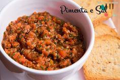 Ezme é um prato da culinária turca. É a base de tomates, temperadinho, é para comer com torradinhas. É maravilhoso. Receita de Ezme.