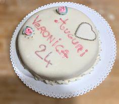 Torta di compleanno con pasta di zucchero – Raccolta di ricette