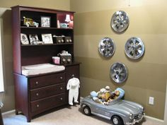 Hubcap wall art- link to hubcaps you can buy on Amazon (Prime)