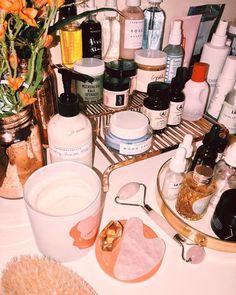 makeup beauty eyeshadow eyeshadowlooks makeupflatlays makeupphotography luxurymakeup affordablemakeup makeupjunkie makeupporn makeuphoarder beautyaddict Flat lays, flat lay photography, ph is part of Beauty skin care - Beauty Care, Beauty Skin, Beauty Makeup, Beauty Hacks, Hair Beauty, Glam Makeup, Flat Lay Photography, Skin Makeup, Makeup Desk