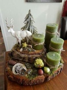 With Tree Trunks And Tree Slices Create The Most Beautiful Decoration For . - With Tree Trunks And Tree Slices Create The Most Beautiful Decoration For This Season. Centerpiece Christmas, Decoration Christmas, Christmas Candles, Decoration Table, Christmas Themes, Christmas Wreaths, Christmas Crafts, Christmas Ornaments, Balcony Decoration