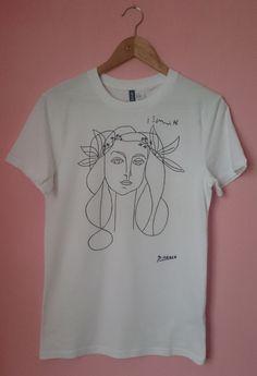 Picasso Woman Sketch T Shirt von SolukWorkshop auf Etsy https://www.etsy.com/de/listing/211708414/picasso-woman-sketch-t-shirt