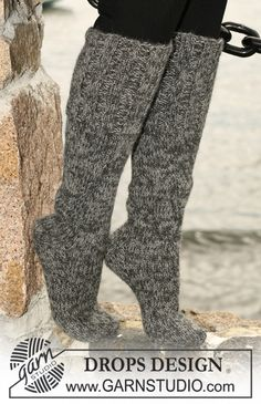 "Long DROPS socks in stockinette stitch with wide rib in 2 threads ""Alpaca"". ~ DROPS Design These might feel mighty nice at 45 below zero. Knitted Slippers, Knitted Gloves, Knitting Socks, Free Knitting, Drops Design, Boot Cuffs, Boot Socks, Magazine Drops, Beginner Knitting Patterns"