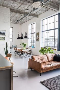 Lovely soft colors and details in your interiors. Latest Home Interior Trends. - Home Decoration - Interior Design Ideas Loft Industrial, Industrial Interior Design, Industrial Interiors, Home Interior Design, Interior Architecture, Industrial Living, Industrial Furniture, Industrial Bedroom, Loft Furniture