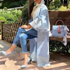 Image may contain: one or more people, people standing and outdoor Modest Fashion Hijab, Abaya Fashion, Muslim Fashion, Mode Abaya, Mode Hijab, Mode Kimono, The Cardigans, Iranian Women Fashion, Sleeves Designs For Dresses