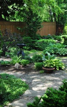 easy and simple small backyard landscaping ideas 13 Small Front Gardens, Small Backyard Gardens, Small Backyard Landscaping, Small Space Gardening, Back Gardens, Outdoor Gardens, Shade Landscaping, Hillside Landscaping, Modern Backyard