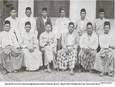 CUMBOK WAR, A SOCIAL REVOLUTION IN ACEH (1946-1947)   Tengkuputeh