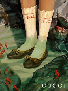 Envisioned by Ignasi Monreal for Gucci Hallucination, leather ballet flats with a layered bow and GG mirrored detail at the center—an archival reprisal of the House's signature emblem—appear underwater. Creative Director: Alessandro Michele Art Director: Christopher Simmonds