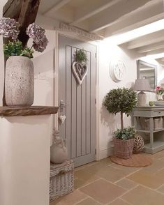 Country # # # landhaus- # # lan Entryway and Hallway Decorating Ideas Country Kitchen lan Landhaus Cottage Living Rooms, Cottage Homes, Cottage Nursery, Small Cottage Interiors, Cottage Hallway, Garden Cottage, Country Home Interiors, Decoration Hall, Kitchen Decorations
