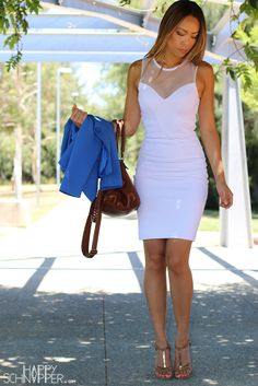 White and Cobalt corporate fashion - http://www.happyschnapper.com/2014/01/fashion-walk-in-park.html