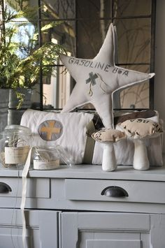 créations Star Decorations, Christmas Decorations, Xmas Crafts, Diy Crafts, Little White House, Sisal, Hygge, Scandinavian Living, Home And Deco