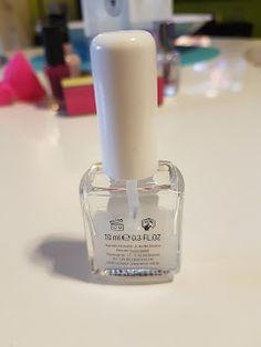 tweexy Nagellack Halter - Nägel lackieren einfach gemacht dieser Innovation  http://www.mihaela-testfamily.de  #Tweexy #Nagellack #Nagellackhalter #Nailpolish #Beauty #Beautyblog #nailart #Microcell
