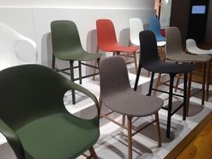 Sillas customizables para todos los gustos Dining Chairs, Furniture, Home Decor, Chairs, Interiors, Dining Chair, Interior Design, Home Interior Design, Dining Table Chairs