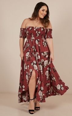 Classy Sassy maxi dress in dark rose floral Vestidos Plus Size, Plus Size Dresses, Plus Size Outfits, Dresses For Teens, Sweet 16 Outfits, Curvy Girl Outfits, Classy Outfits, Curvy Fashion, Plus Size Fashion