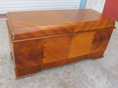 I have one like this that was my Moms!! Art Deco Lane Cedar Chest Blanket Chest Trunk Antique Bedroom Furniture