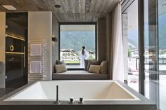 The ElisabethHotel Premium Private Retreat in Mayrhofen in the Zillertal in Tyrol is an Adults Only Wellness Hotel a place of peace and relaxation. Alpine Style, Penthouse Suite, Hotels, Rest And Relaxation, Workout Rooms, Pent House, Cool Rooms, Austria, Indoor