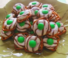 This Pretzel and Kiss works for every season, huh?. Just change the color of the candy on top. Voila! St. Patrick's day!