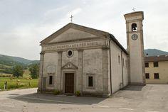 Ruscio è un`originaria villa di transito sviluppatasi lungo la vecchia strada che collegava Monteleone di Spoleto a Leonessa, un tempo legata alle attività agricole sviluppatesi sul piano omonimo ed allo sfruttamento di una miniera di lignite, oggi abbandonata.