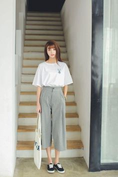 38 korean style fashion for shake hollywood fashion korean street clothes oufitdesignideas koreanstyleideas bestoufitideas Fashion Moda, Look Fashion, Teen Fashion, Fashion Design, Teenager Fashion, Fashion 2016, 2000s Fashion, Cheap Fashion, Modern Fashion