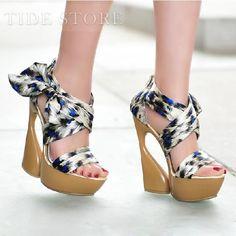 Cloth Upper Peep-toe Wedge Heels Sandals