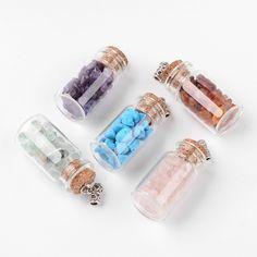 Fiole, boîte en verre avec perles gemmes