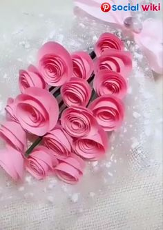 Learn how to make stunning paper roses with this free printable paper rose template! Step by step instructions for making paper roses. Paper Flowers Craft, Flower Crafts, Diy Flowers, Fabric Flowers, Diy Arts And Crafts, Creative Crafts, Crafts For Kids, Handmade Crafts, Arts And Crafts