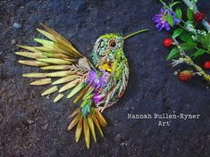Artist Forages for Flowers and Leaves in Forest to Create Ephemeral Bird Portraits Land Art, Flower Bird, Flower Petals, Lights Artist, Ephemeral Art, Tiny Bird, Botanical Art, Leaf Design, Beautiful Birds