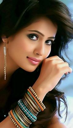 Photos of beautiful girls Beautiful Girl Indian, Most Beautiful Indian Actress, Beautiful Girl Image, Beauty Full Girl, Cute Beauty, Beauty Women, Beauty Girls, Lovely Eyes, Cute Girl Photo