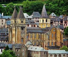 Abbey of Conques in Aveyron in southern France La Roque Gageac, Southern France, Beaux Villages, Belle Villa, Dordogne, Wander, Travel Destinations, Literature, Road Trip