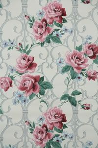 Vintage wallpaper red roses, I want an office full of roses.
