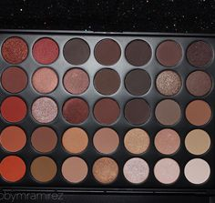 Never knew that I could be soooo in LOVE with a palette. 35O Morphe palette.